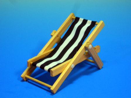 家具 ガーデン家具 デッキ チェア 6.70x1.00x12.00(折りたたんだ状態) 座面は布製で、もたれる角度を変えることができ(リクライニング)折りたたむこともできます