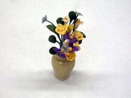 ガーデン小物 花瓶・鉢等 フラワーアレンジメント pot of yellow roses