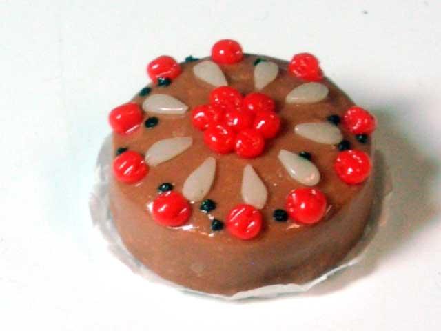 キッチン・ダイニング小物 スィーツ/デザート ケーキ 英国より直輸入 12分の1サイズの ドールハウス・アクセサリーです。