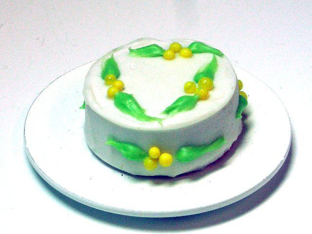 キッチン・ダイニング小物 スィーツ/デザート レモンケーキ 英国より直輸入 12分の1サイズの ドールハウス・アクセサリーです。