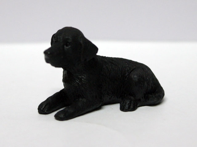 ガーデン小物 動物/ペット用品 ペット 犬 英国より直輸入  12分の1サイズの ドールハウス・アクセサリーです。