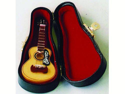 リビング小物 楽器 1_12 スパニッシュギター スタンド 英国より直輸入  12分の1サイズの ドールハウス・アクセサリーです。