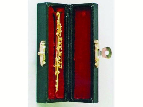 リビング小物 楽器 1_12 クラリネット 英国より直輸入  12分の1サイズの ドールハウス・アクセサリーです。
