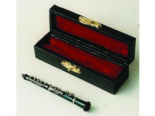 リビング小物 楽器 1_12 オーボー 英国より直輸入  12分の1サイズの ドールハウス・アクセサリーです。