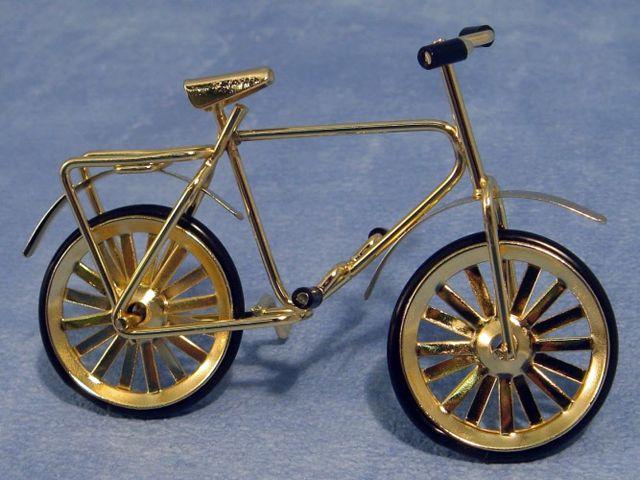 ガーデン小物 道具 子供用自転車 英国より直輸入  12分の1サイズの ドールハウス・アクセサリーです。
