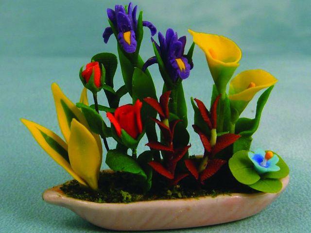 ガーデン小物 花瓶・鉢等 生け花 英国より直輸入  12分の1サイズの ドールハウス・アクセサリーです。
