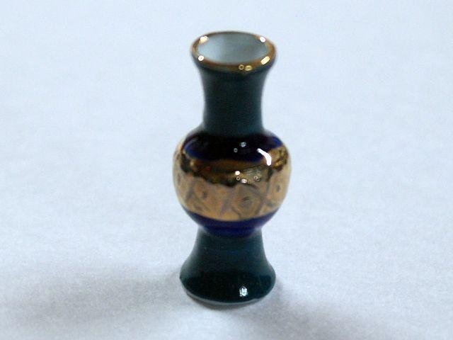 ガーデン小物 花瓶・鉢等 花瓶 各種(1個) 英国より直輸入  12分の1サイズの ドールハウス・アクセサリーです。