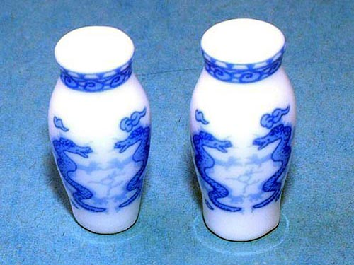 ガーデン小物 花瓶・鉢等 バーズ(ペア) 英国より直輸入  12分の1サイズの ドールハウス・アクセサリーです。