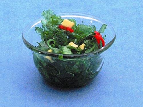 キッチン・ダイニング小物 フード サラダ・ボウル 英国より直輸入  12分の1サイズの ドールハウス・アクセサリーです。