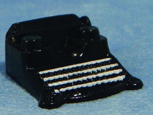 リビング小物 オフィス・書斎 アクセサリー タイプライター 英国より直輸入 12分の1サイズの ドールハウス・アクセサリーです。