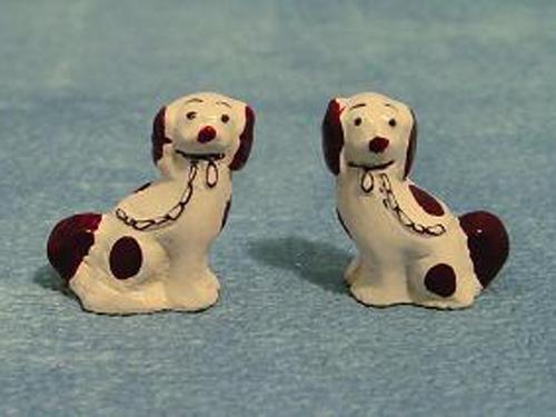リビング小物 その他のリビング・アクセサリー スタッフォード・置物(犬)ペア 英国より直輸入 12分の1サイズの ドールハウス・アクセサリーです。