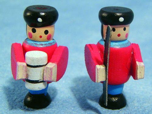 リビング小物 ナーサリー /キッズ小物 兵隊(おもちゃ) 英国より直輸入  12分の1サイズの ドールハウス・アクセサリーです。