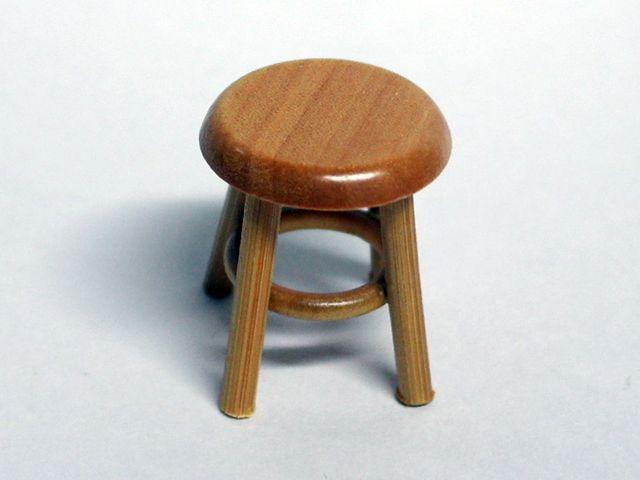家具 ショップディスプレィ家具 スツール パイン 英国より直輸入  12分の1サイズの ドールハウス家具です。