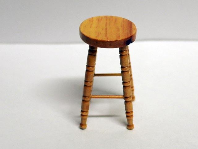 家具 ショップディスプレィ家具 パブ スツール 英国より直輸入  12分の1サイズの ドールハウス家具です。