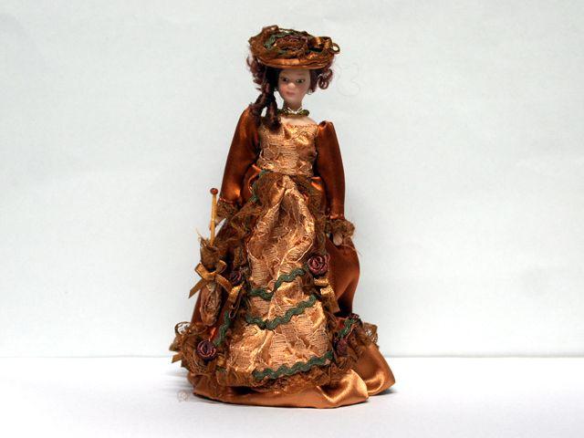 ビスクドール  ビスクドール ビクトリアン貴婦人 英国より直輸入  12分の1サイズの ドールハウス・アクセサリーです。ポーセリアン(頭・手足)