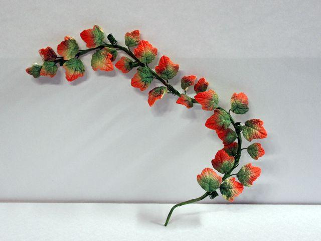 ガーデン小物 花瓶・鉢等 植物 つた 英国より直輸入 12分の1サイズの ドールハウス・アクセサリーです。