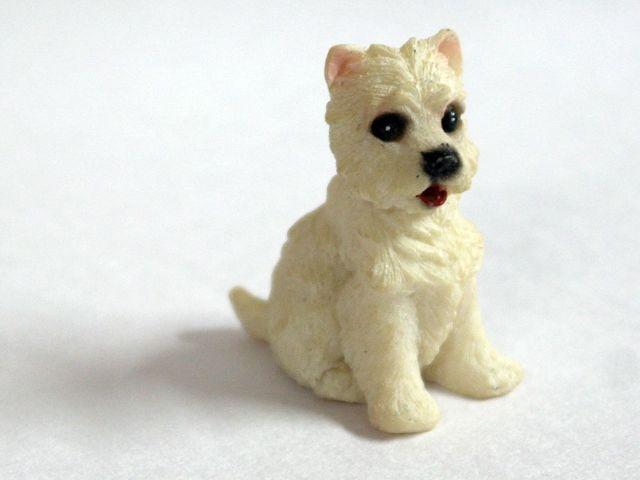 ガーデン小物 動物/ペット用品 猫 英国より直輸入 12分の1サイズの ドールハウス・アクセサリーです。