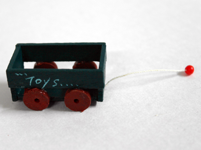 リビング小物 ナーサリー /キッズ小物 おもちゃ 英国より直輸入 12分の1サイズの ドールハウス・アクセサリーです。