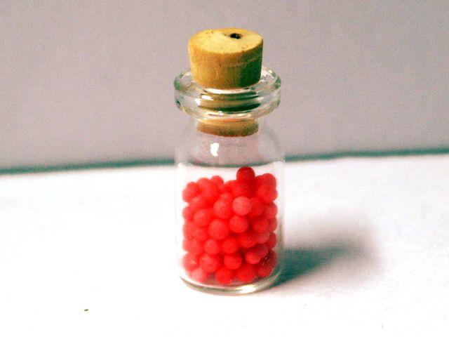キッチン・ダイニング小物 スィーツ/デザート ガラス キャンディ 英国より直輸入 12分の1サイズの ドールハウス・アクセサリーです。