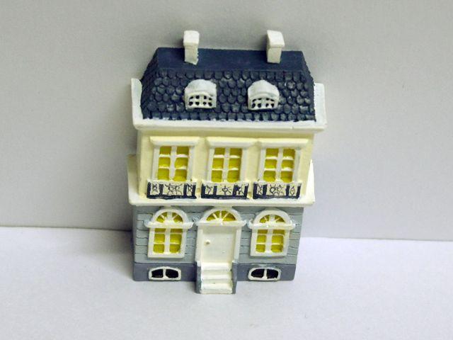リビング小物 ナーサリー /キッズ小物 ドールハウス用ドールハウス 英国より直輸入 12分の1サイズの ドールハウス・アクセサリーです。