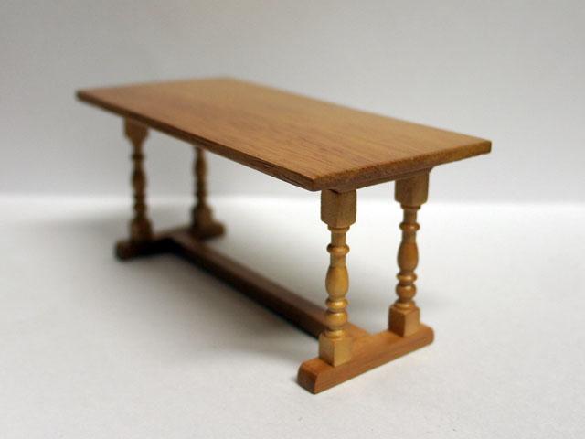家具 キッチン・ダイニング家具 リフレクトリー(refectory) テーブル 英国より直輸入  12分の1サイズの ドールハウス家具です。