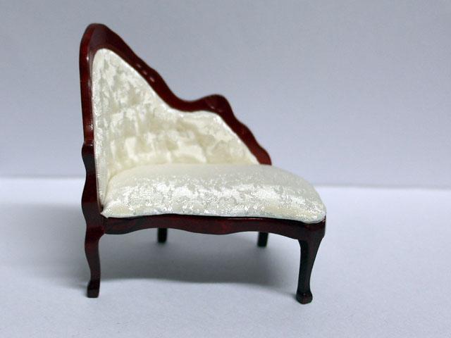 家具 ソファー・チェア類 ラウンジ・チェア 白 英国エンポリューム社製 8 x 5.5 x 8.7cm