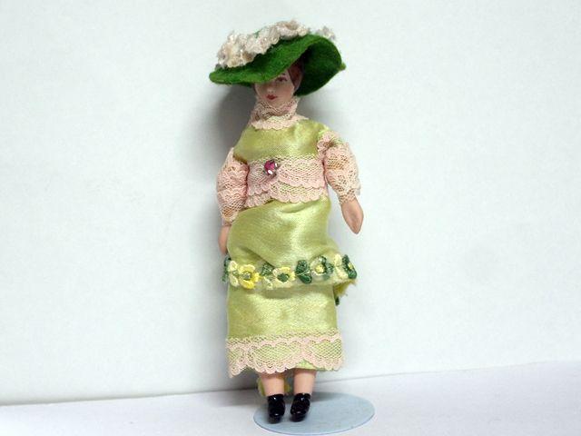 ビスクドール  ビスクドール 婦人 モスグリーン 12.8cm