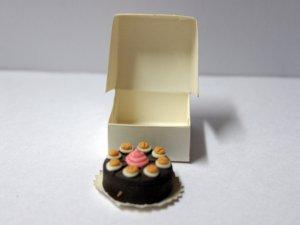 画像1: ケーキ 箱入り