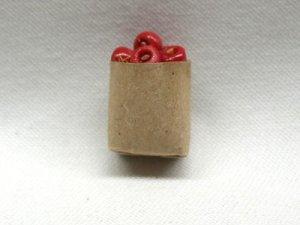 画像1: 紙袋入り果物(アップル)