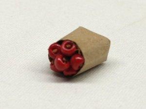 画像2: 紙袋入り果物(アップル)