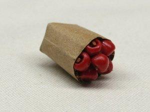 画像3: 紙袋入り果物(アップル)
