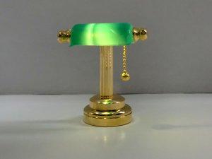 1/12サイズのドールハウス用ミニチュア デスクランプ グリーン LED (電池付)